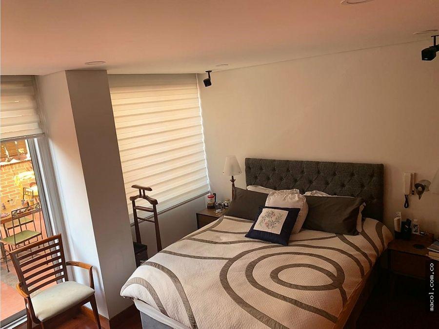 vendo excelente apartamento en santa barbara con terraza