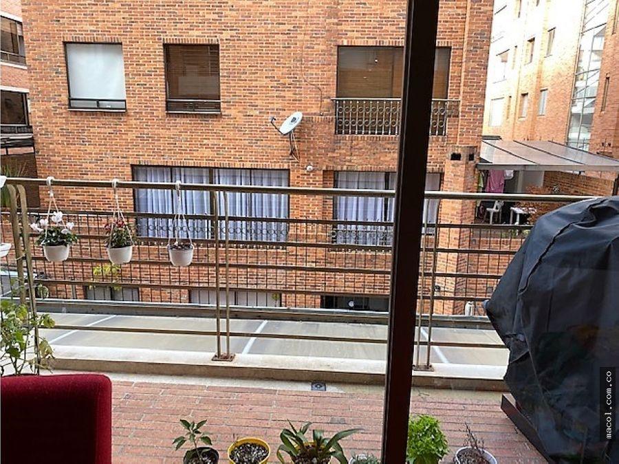 vendo apartamento en santa bibiana con 2 balcones
