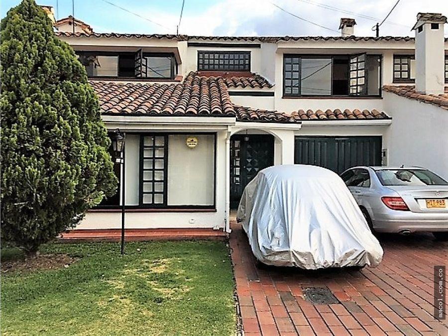 vendo casa conjunto cerrado la calleja alta