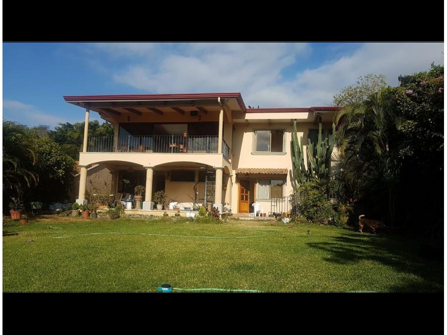preciosa casa en residencial