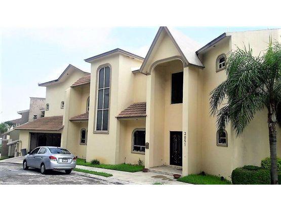 preciosa casa en venta en cumbres sector 5 monterrey