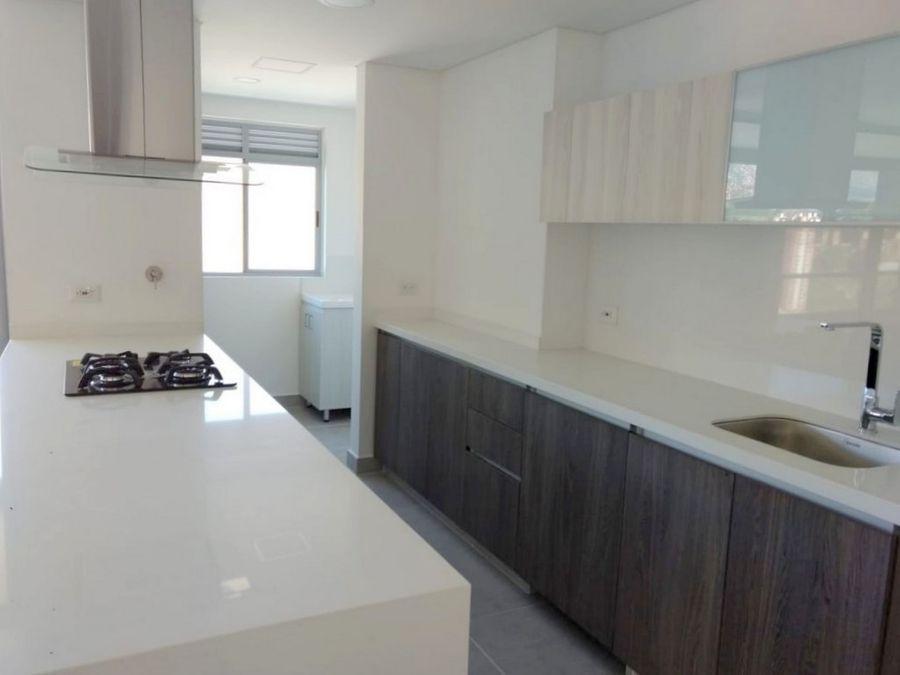 apartamento en poblado sector ciudad del rio