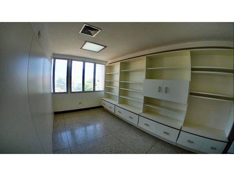 se vende oficina centro rah 20 8013