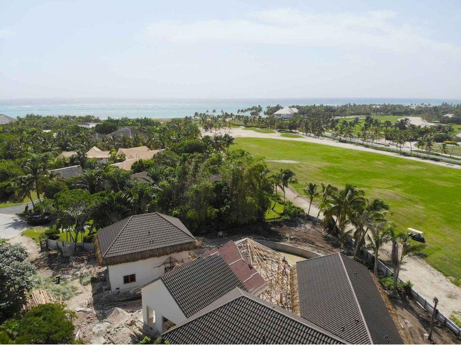 villa con 7 hab y vista al campo de golf en construccion en arrecife