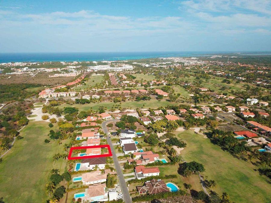 villa con 4 hab piscina y vista al campo de golf