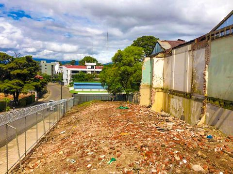 venta de terreno barrio amon
