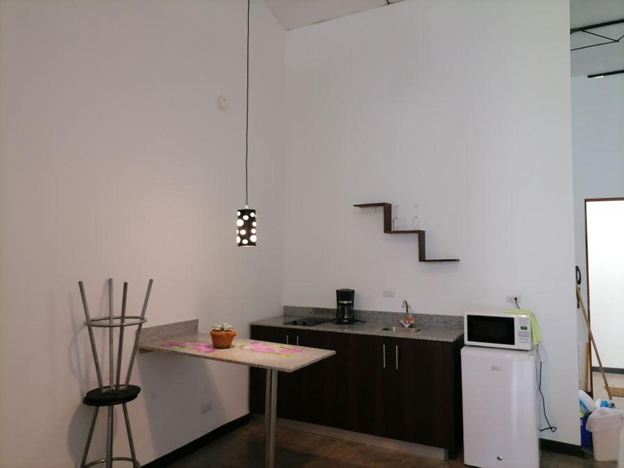 venta de edificio con locales y apartamentos en san jose