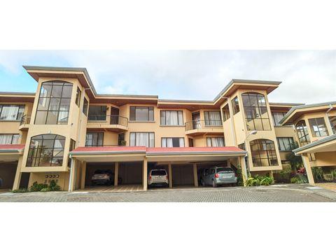 venta de apartamento en condominio moravia