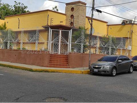 se vende local en centro barquisimeto rah 21 19416 fr