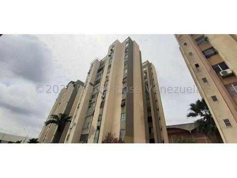 se vende apartamento en centro barquisimeto rah 21 21571 fr