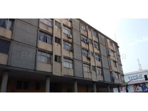 se vende apartamento en centro barquisimeto rah 21 11624 fr
