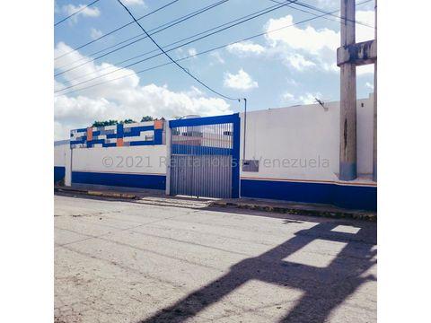 se vende galpon zona industrialbarquisimeto rah 21 25179 rde