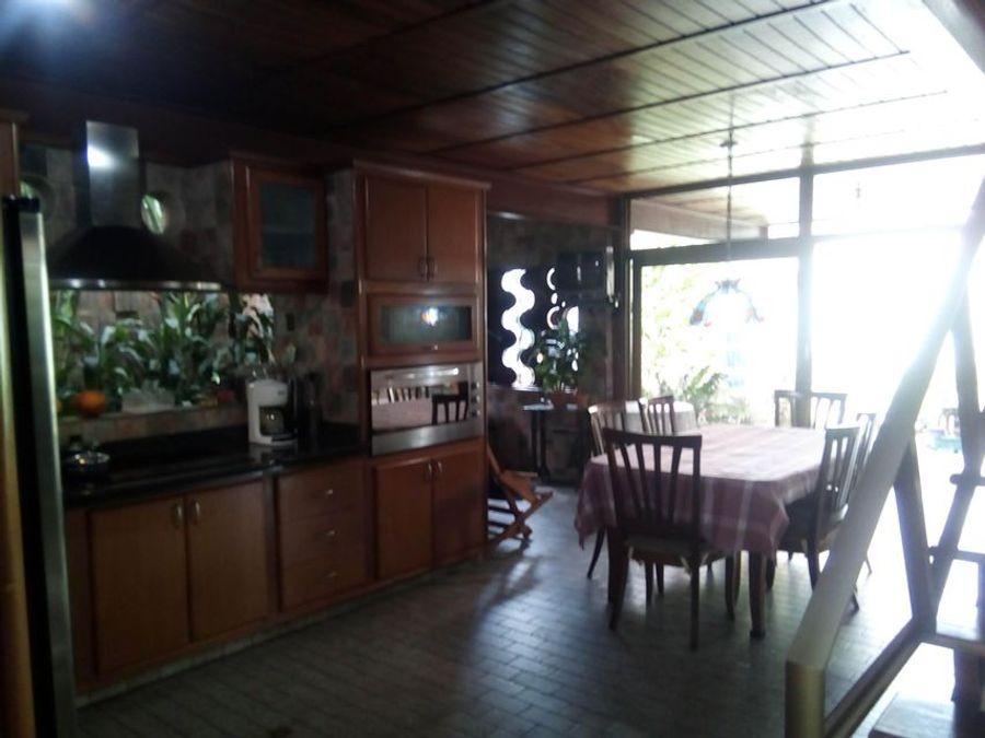 francisco r 416 9519523vende casa nueva segovia rah 21 9122
