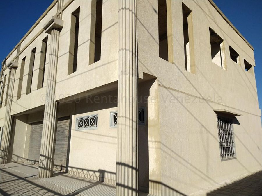 francisco r 416 9519523alquila local parroquia catedral rah 21 9290