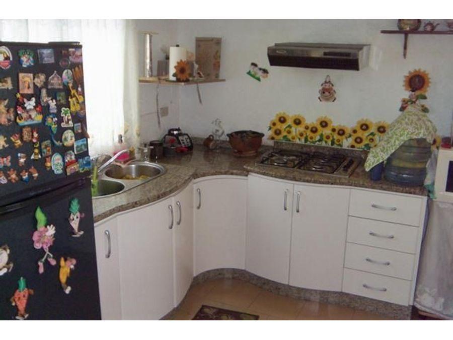 francisco r 416 9519523vende casa villas de yara rah 21 8883