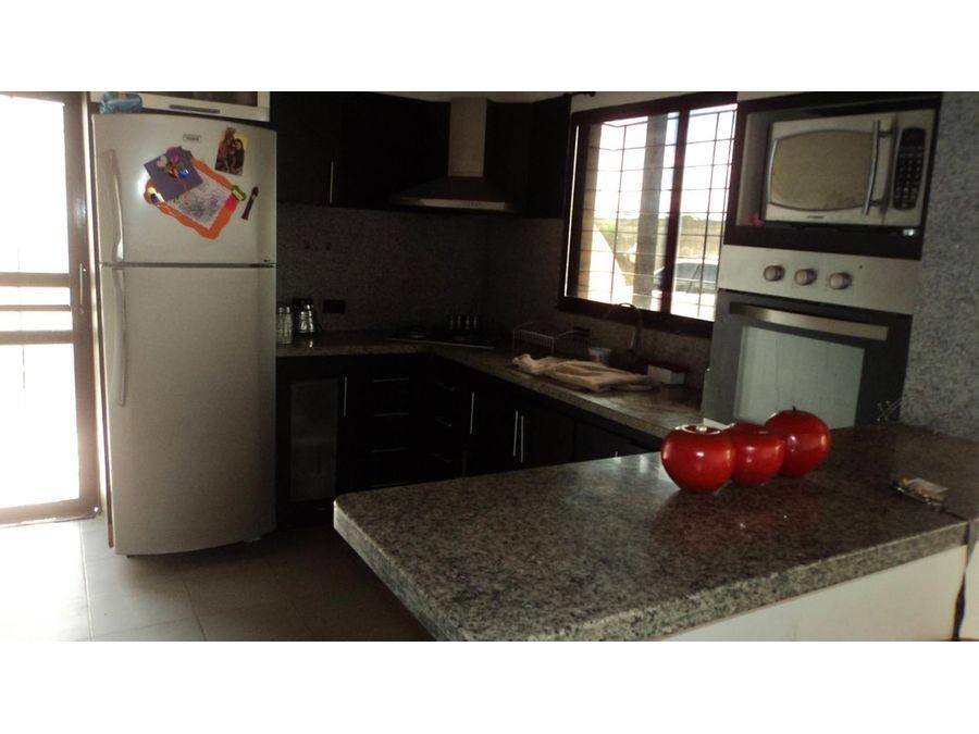 maritza lucena 424 5105659 vende casa en villas trabsider 21 26859