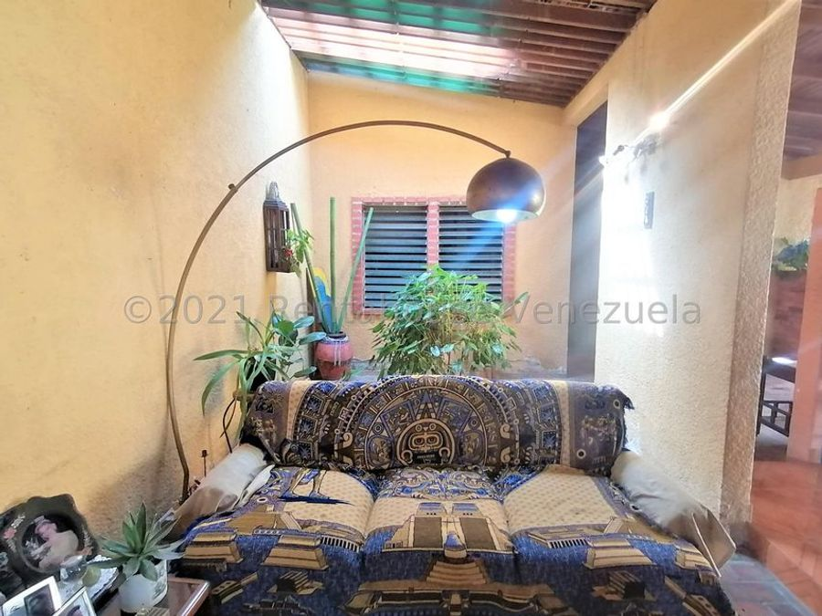 maritza lucena 424 5105659 vende casa en valle hondo 21 27257