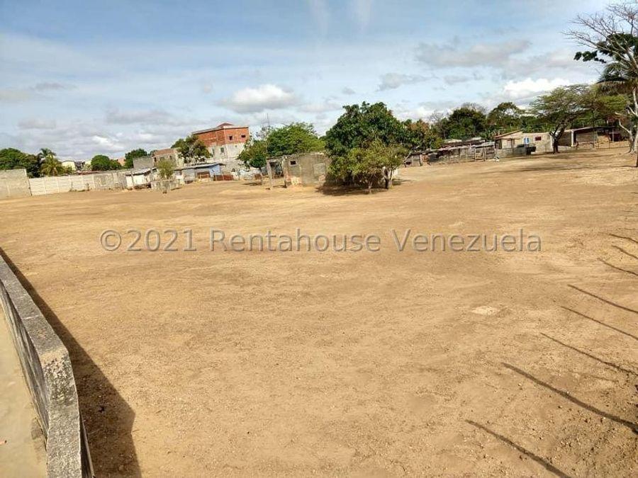maritza lucena 424 5105659 vende terreno en la piedad norte 21 27499