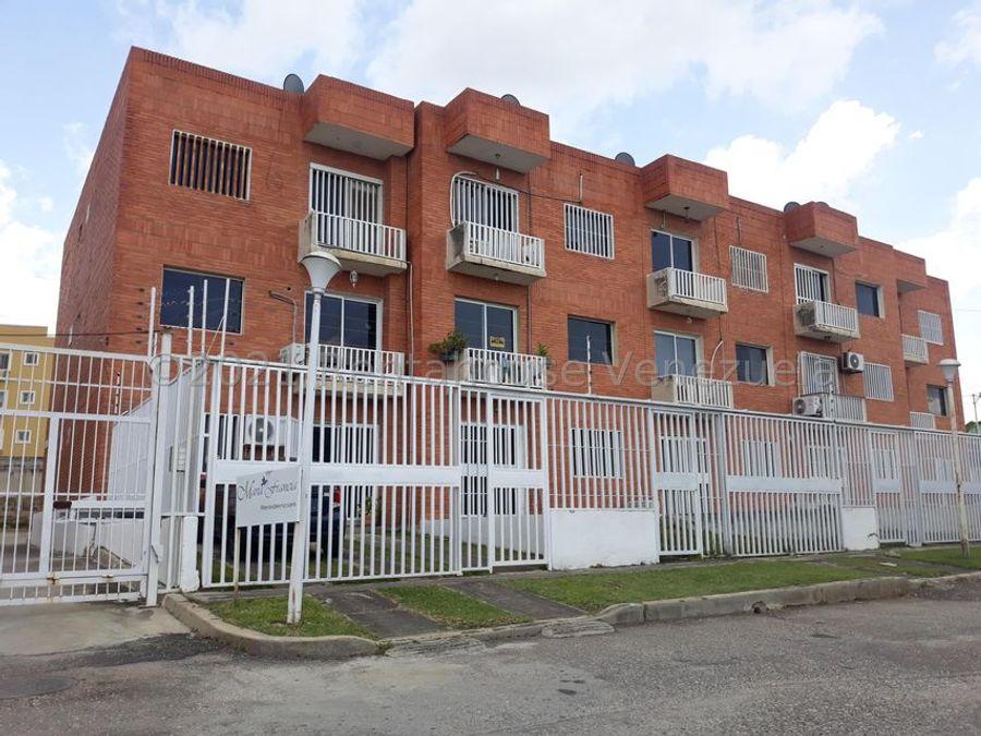 maritza lucena 424 5105659 vende apartamento en centro 21 27593