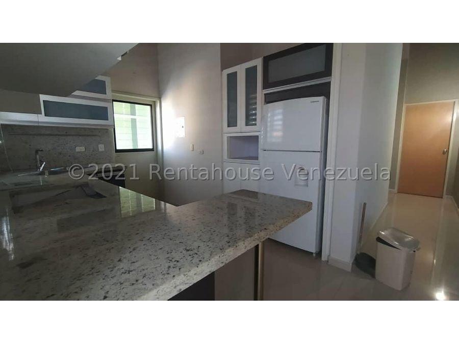 maritza lucena 424 5105659 vende casa en la piedad norte 21 27846