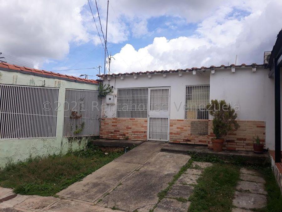 maritza lucena 424 5105659 vende casa en la puerta 21 27879