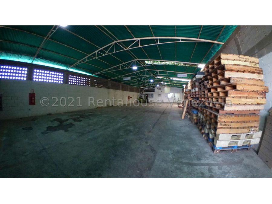 maritza lucena 424 5105659 vende galpon en la piedad norte 21 27954