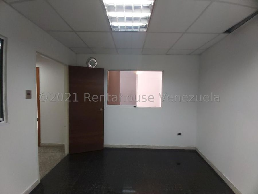 maritza lucena 424 5105659 vende local en cabudare 21 28009