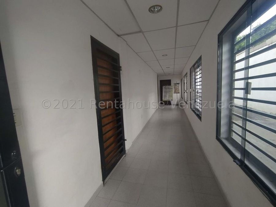 maritza lucena 424 5105659 alquila oficina en centro 21 25275