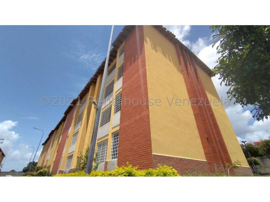 maritza lucena 424 5105659 vende apartamento en cabudare 21 25332
