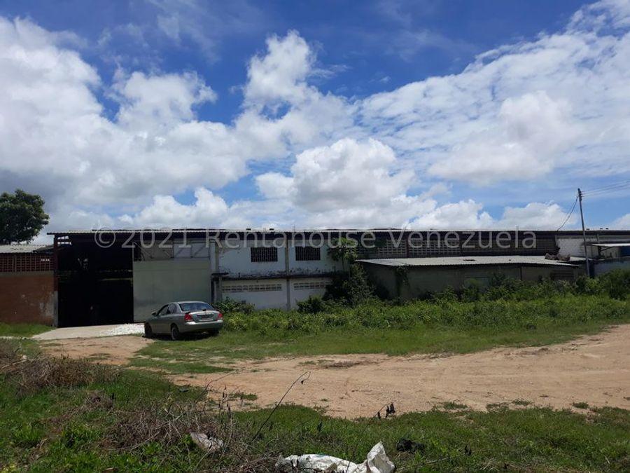 maritza lucena 424 5105659 vende galpon en la piedad norte 21 26247