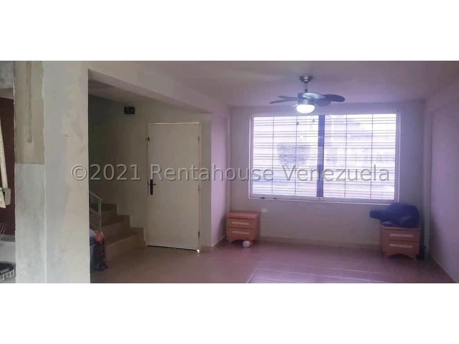 maritza lucena 424 5105659 vende casa en la piedad norte 21 28031