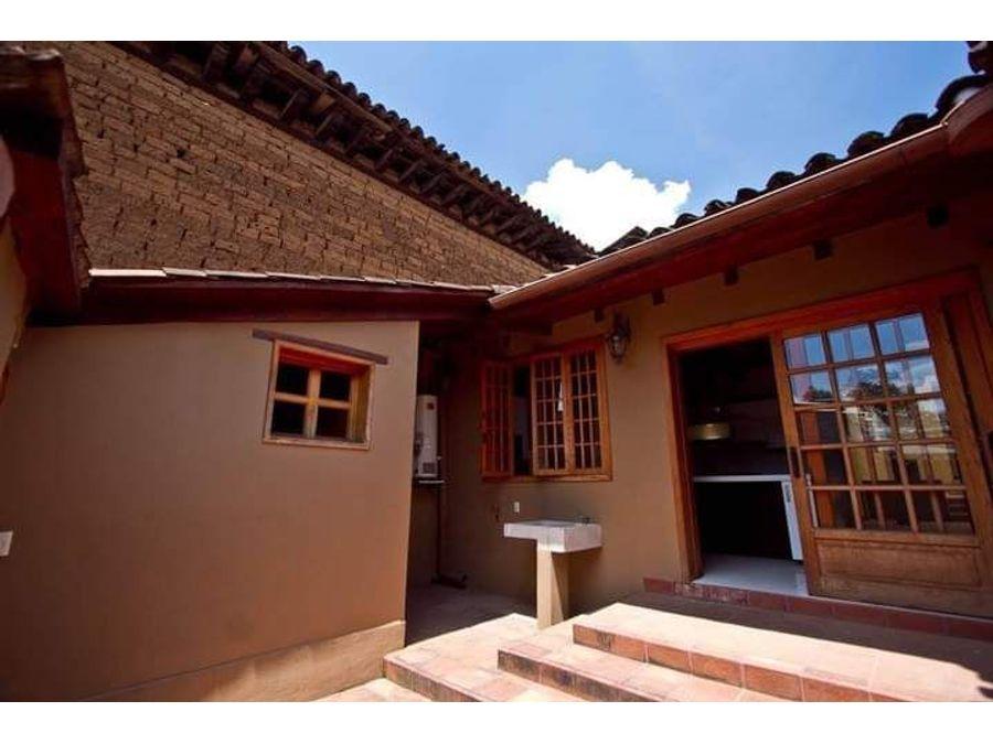 casa en venta en el centro de patzcuaro remodelada precio reducido