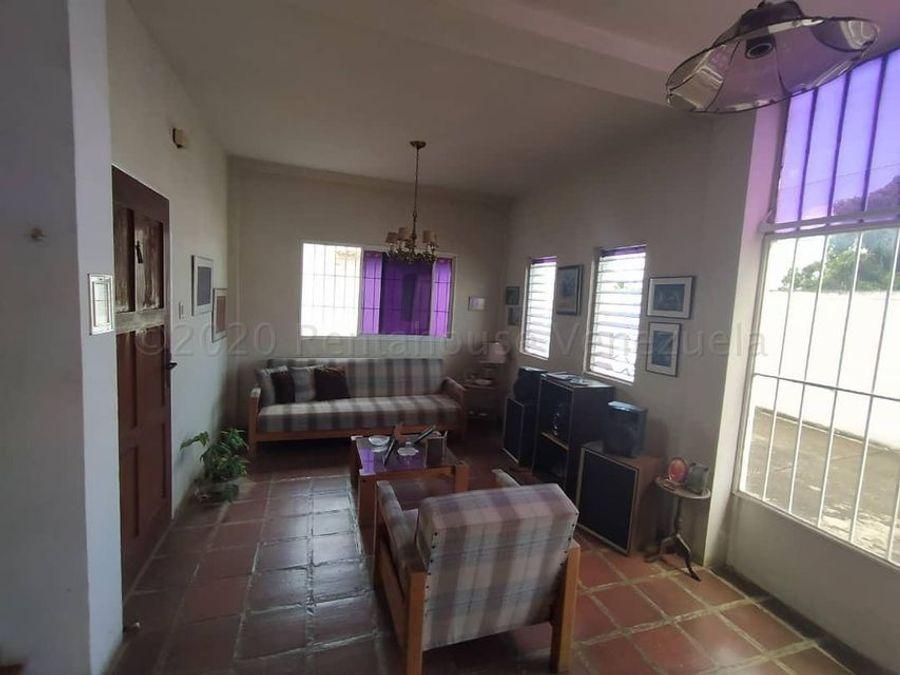 casa en venta agua viva rah 21 1567