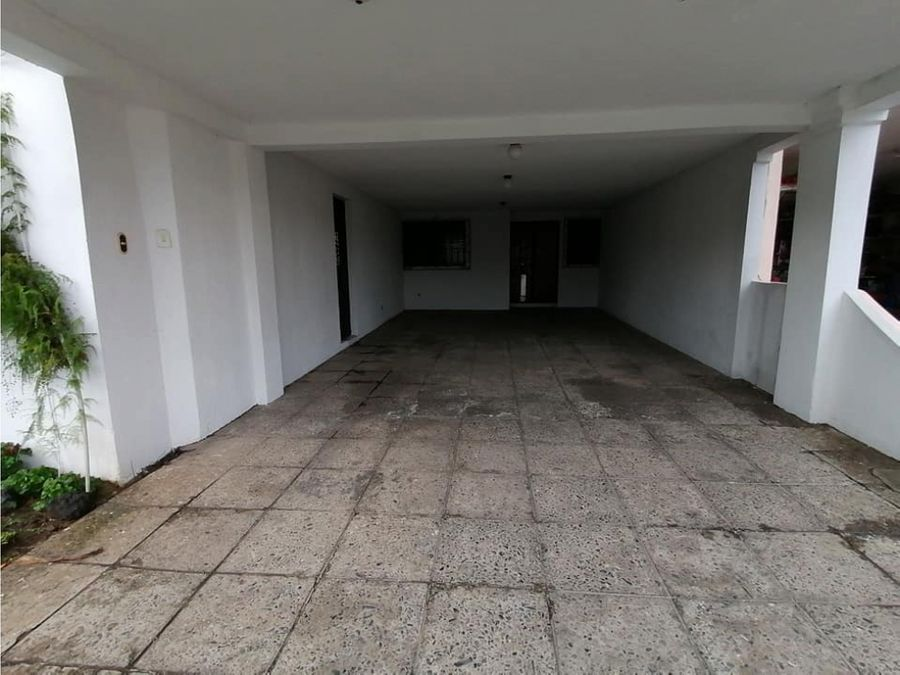 se vende casa en ciudad san cristobal