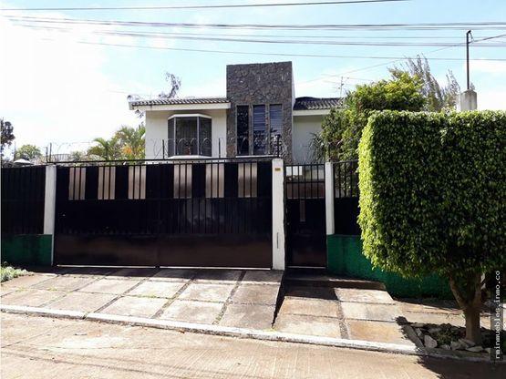 vendo casa en alamedas de yumar 1