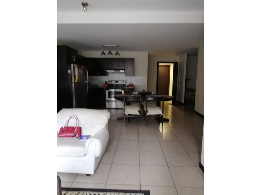 vendo apartamento en zona 9 torre barcelona