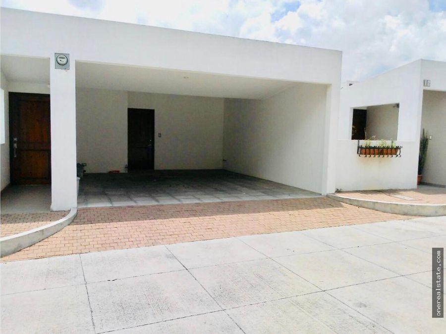 santuaria muxbal casa con 3 dormitorios