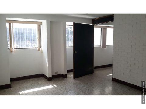 zona 9 oficina 5385 mts en edificio tivoli