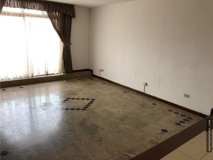zona 15 amplio apartamento de 250 mts2