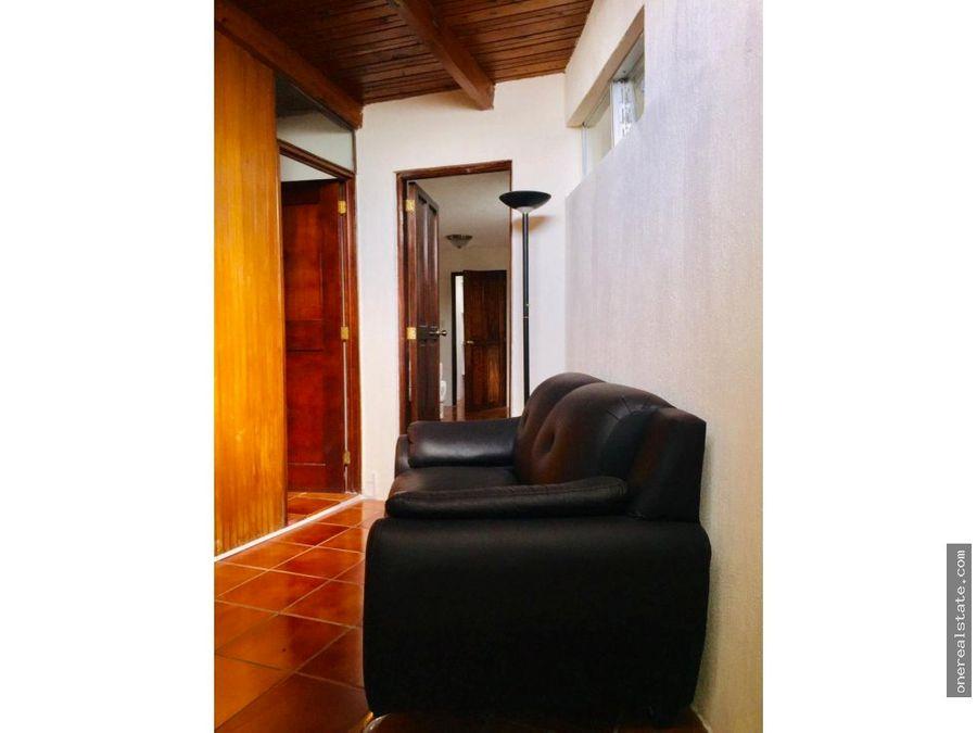 zona 10 apartamento amueblado de 3 dormitorios