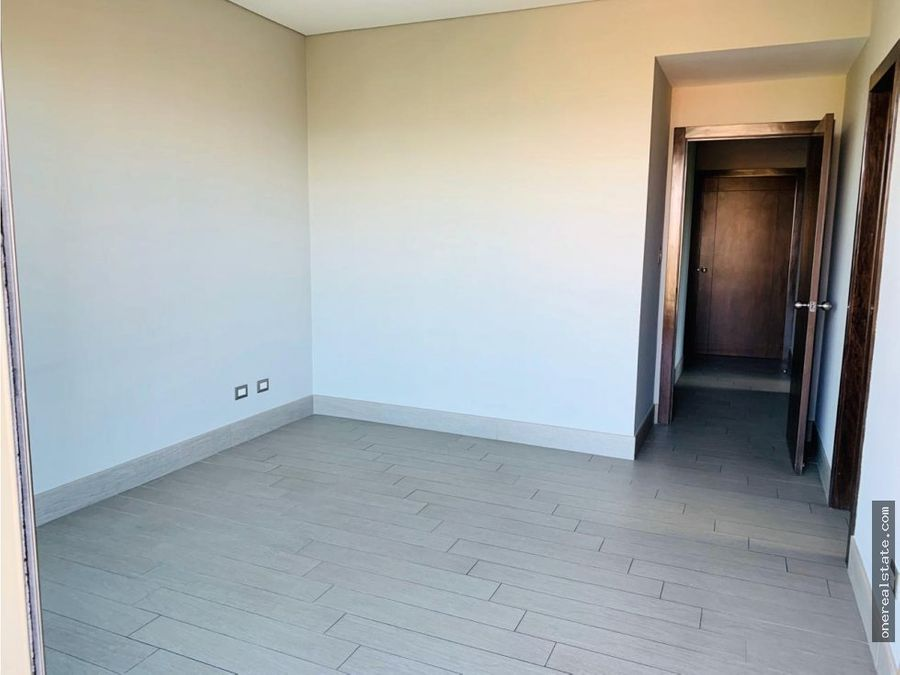 zona 10 apartamento 2 dormitorios