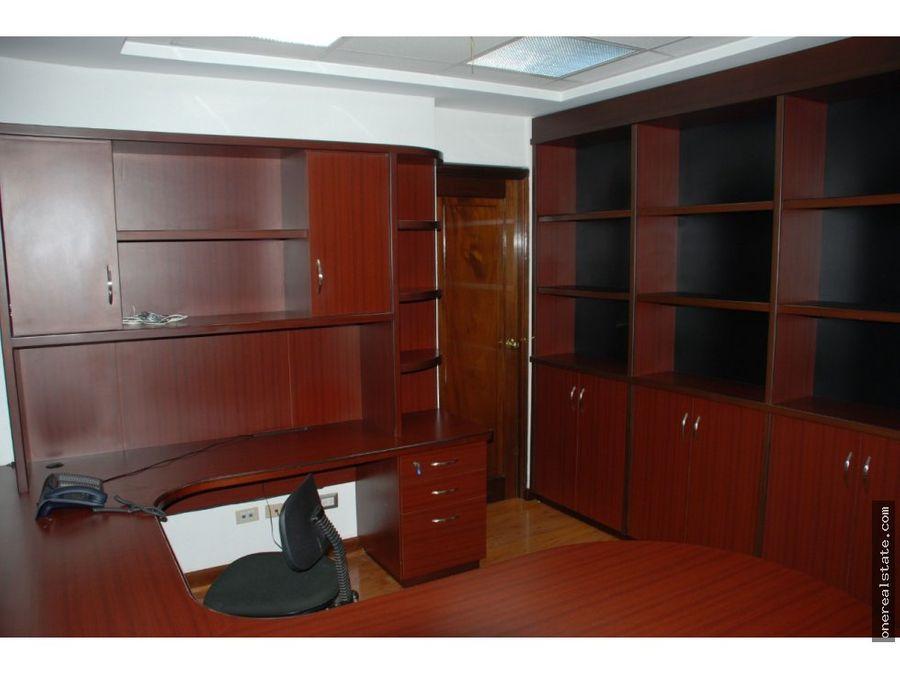 zona 10 oficina de 323 mts