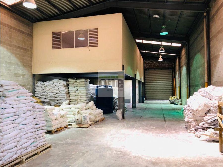 calzada aguilar batres ofibodega de 320 mts2
