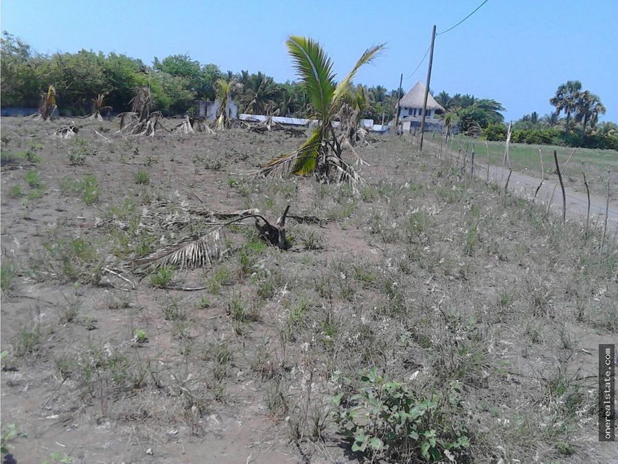 vendo 2 terrenos a pocos metros de la playa
