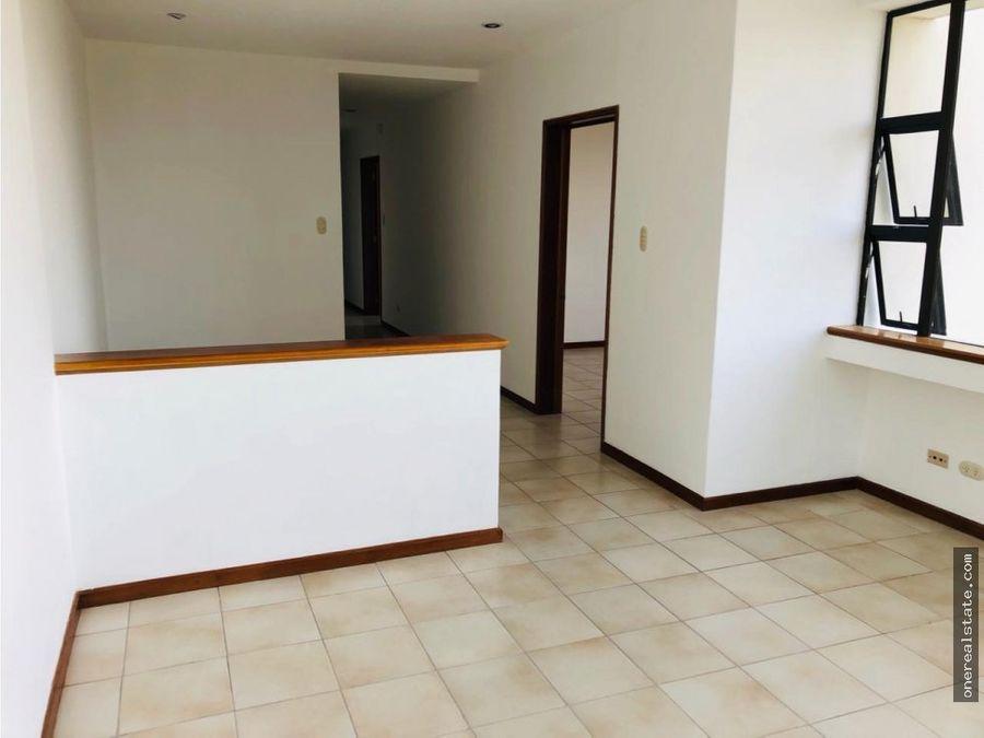 zona 14 apartamento de 3 dormitorios 275mts2