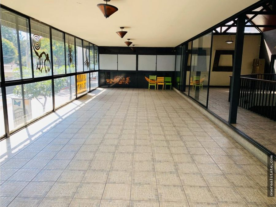 zona 10 zona viva local comercial en alquiler