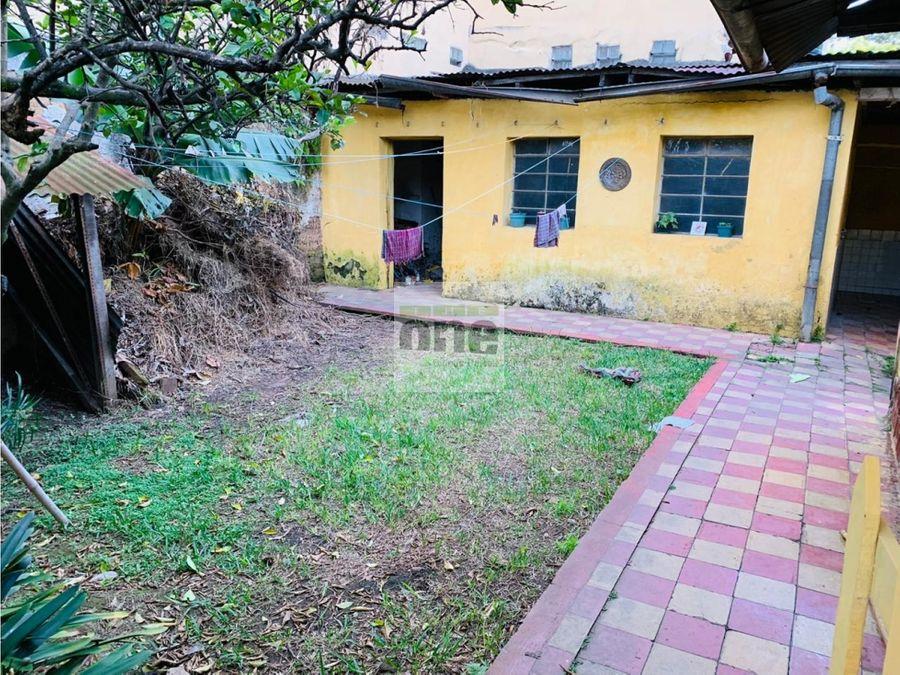 zona 2 vendo propiedad fuera de garita cerca de parque morazan