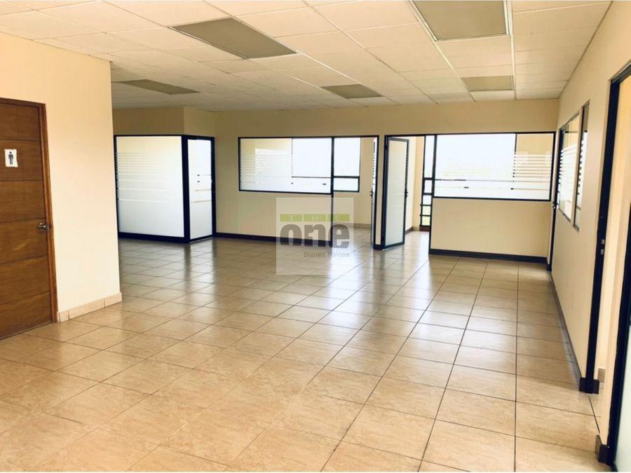 zona 13 alquilo oficina de 175 mts2