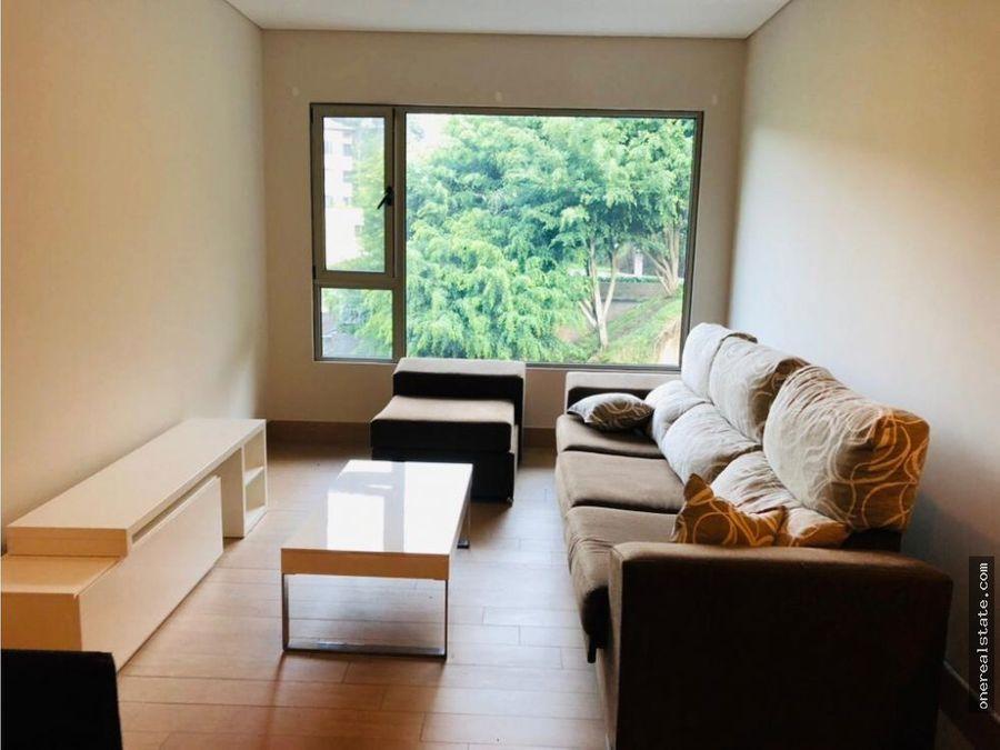 zona 10 apartamento amueblado de 2 dormitorios