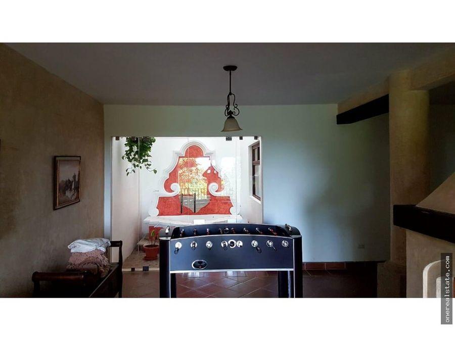 altos de miralvalle zona 1 mixco casa con 5 dorm